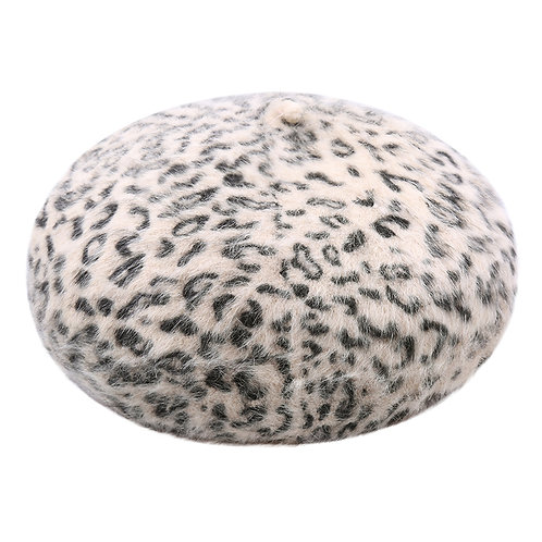 Fuzzy spots - baret in animal print