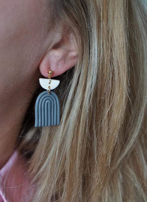 Evi - statement oorbellen in grijs