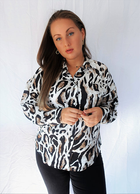 MIX IT UP - oversized animal blouse