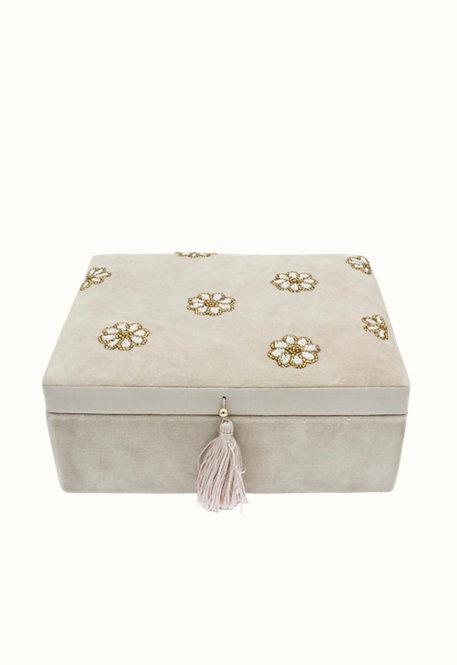 Velvet box all over daisies in beads beige