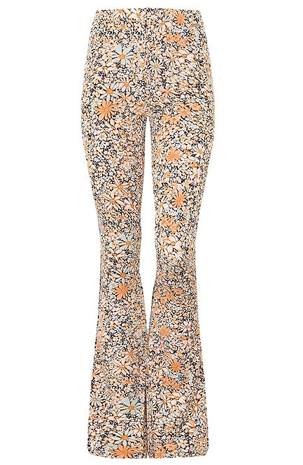 Soft floral - zachte flared pants in bloemenprint