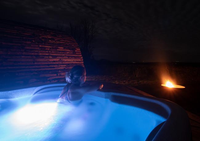hot_tub_night.jpg