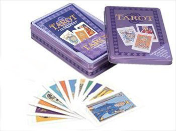 A Tin of Tarot card set   塔羅牌套裝