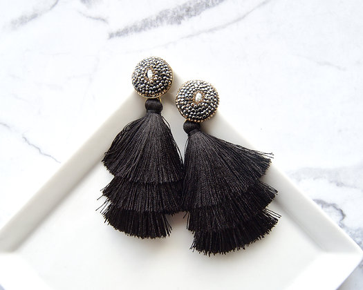 exquisite black