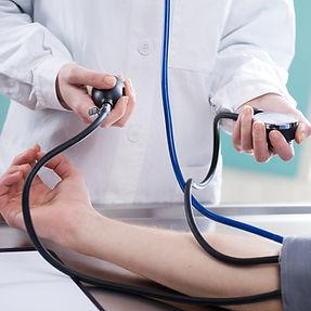 Tomando pressue sangre