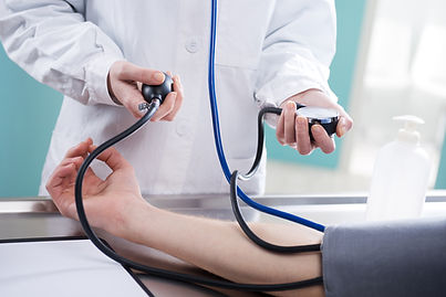 Tomando pressue sangue