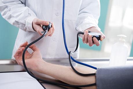 presion sanguinea consulta internista cardiologia traumatologia otorrino ginecologia pediatria