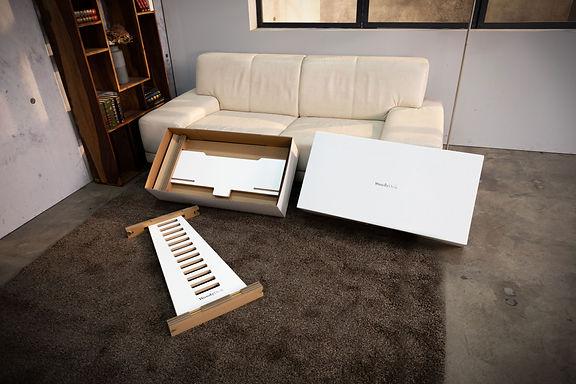 WoodyDesk Schreibtischaufsatz höhenverstellbarer Scheibtisch Design Verpackung