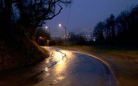 route mouillée vers Périgueux le soir