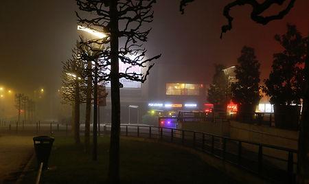brouillard place Francheville, Périgueux, la nuit
