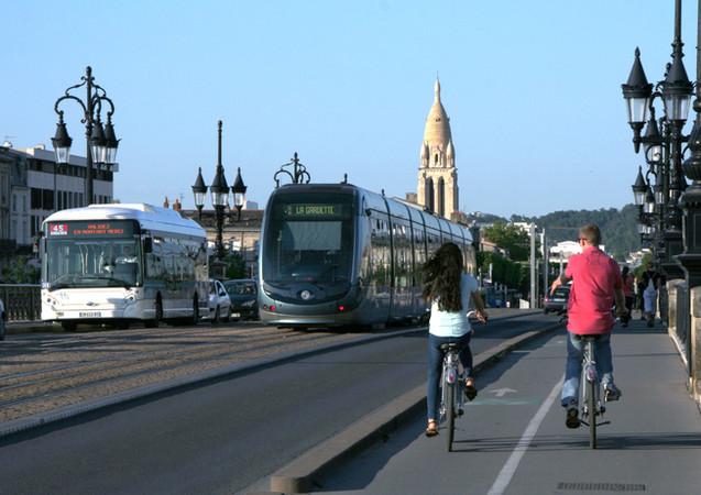 sur le pont de pierre, Bordeaux