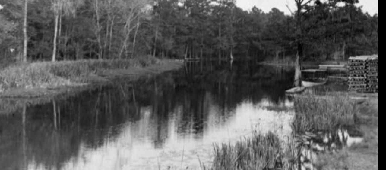 1930s. Natalbany River in Springfield