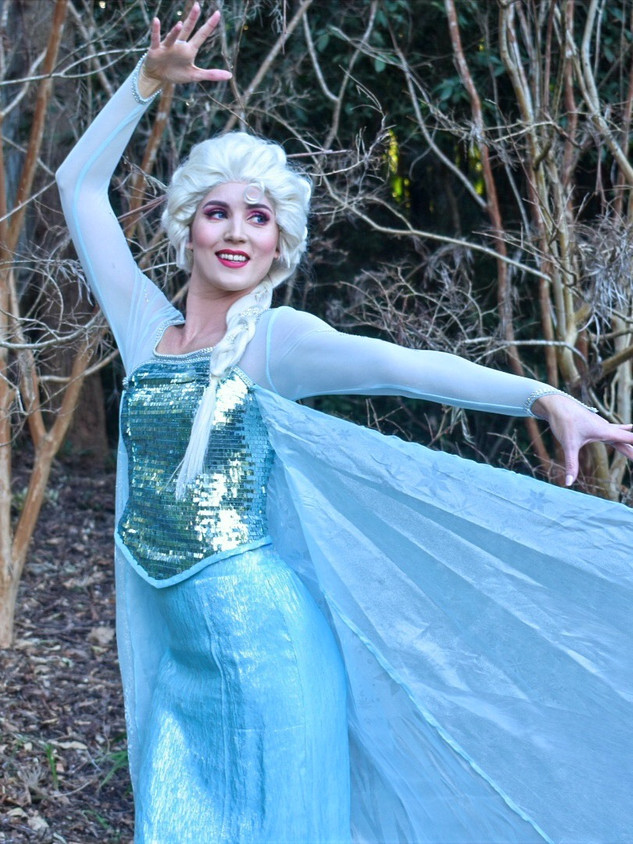 Snow Queen (Classic Outfit)