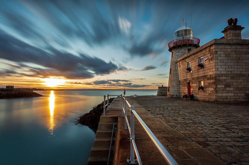 Howth Lighthouse Ireland.jpg