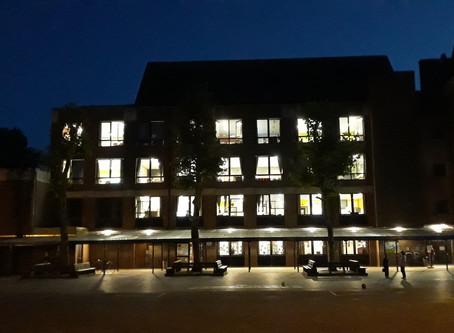 Quand l'école travaille même pendant la nuit...