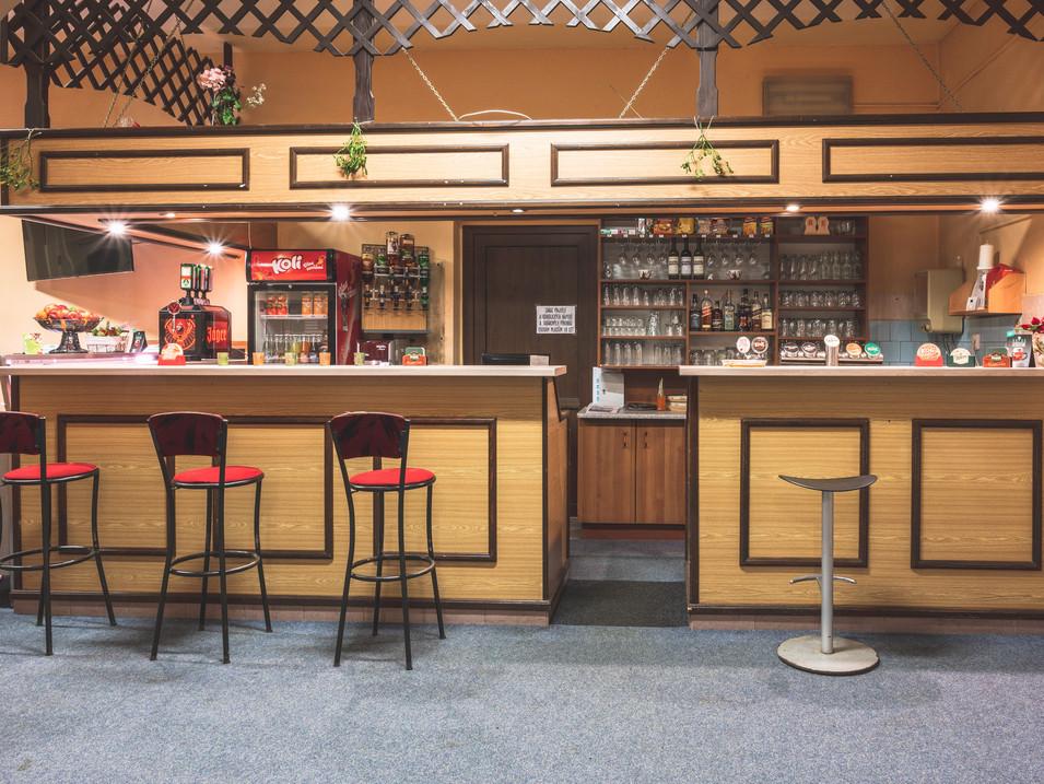 Kantýna restaurace bar