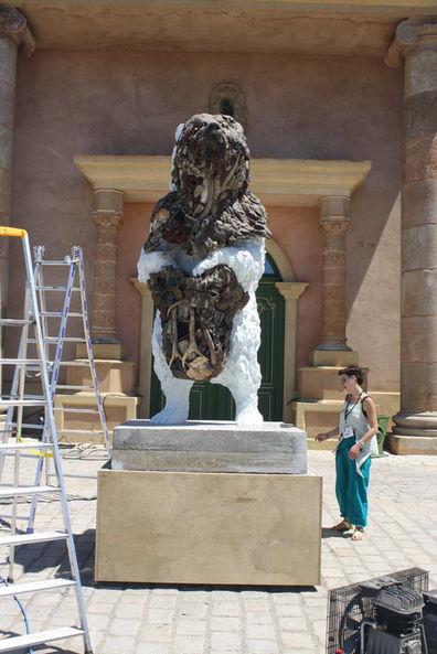 Installation de sculpture pour le gala annuel de la Fondation Leonardo DiCaprio (2016), Saint-Tropez, France