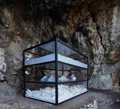 """Theater of Disappearance"", Adrian Villar Rojas, 2017. Fondation NEON à l'Observatoire National d'Athènes (NOA), Athènes."