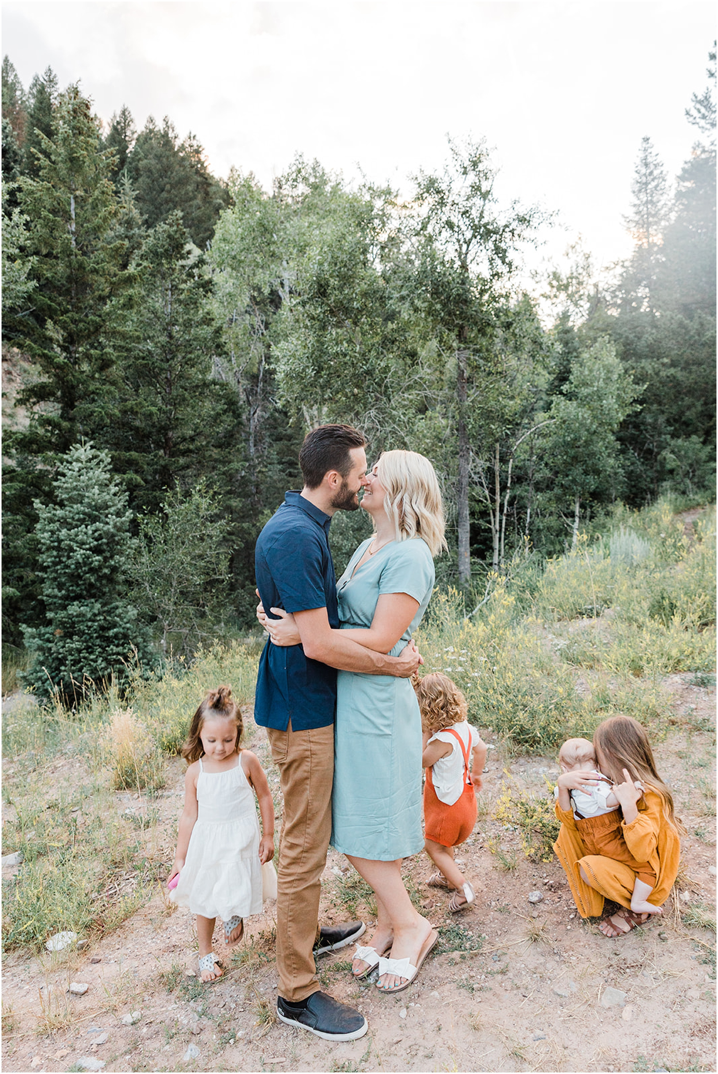 Kenzie Jo Photography, Family pictures, Gorgeous outdoor family pictures, what to wear for family pictures