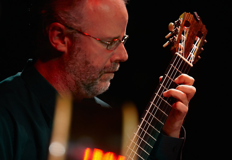 Classical guitarist Kirk Hanser performing in Metz, FR. Photo by Dreyfus Photo