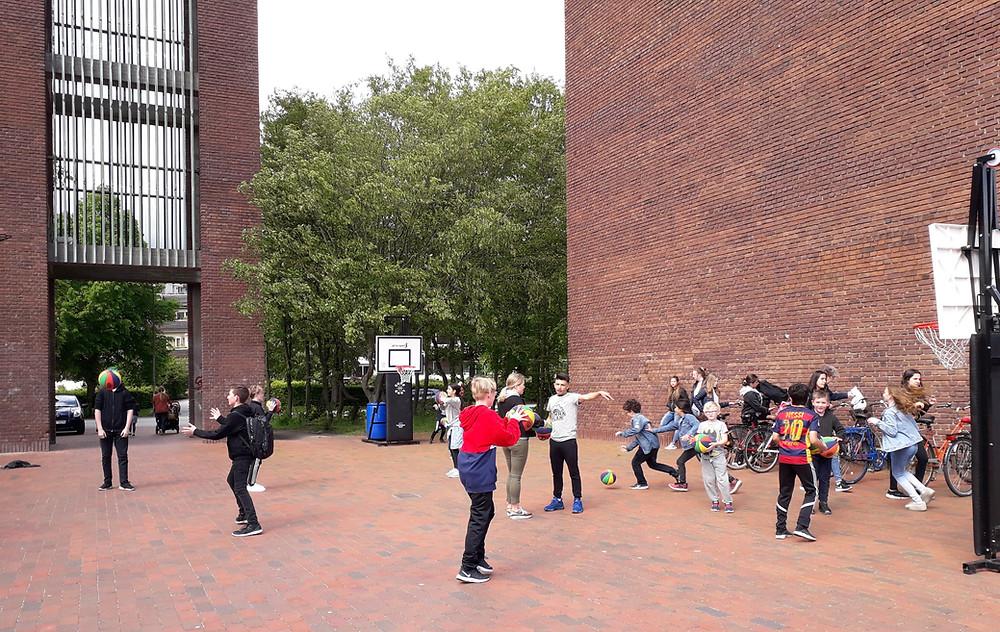 Children enjoying Hemmaplan's activities at Klostegården