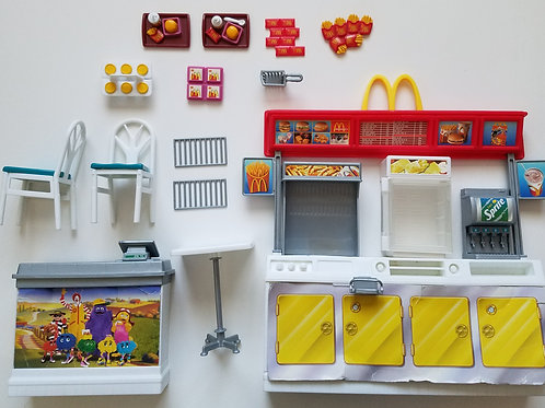 Barbie McDonald's Fun Time Restaurant Playset 2002