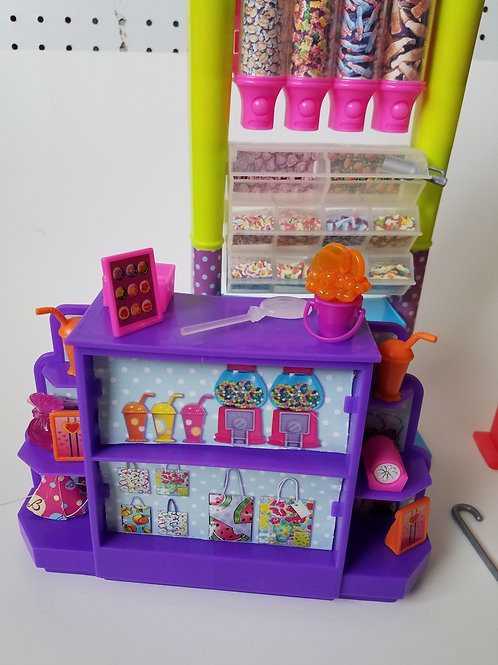 Barbie Candy Shop Playset 2003