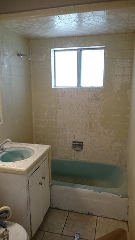 peeling tub and tile job