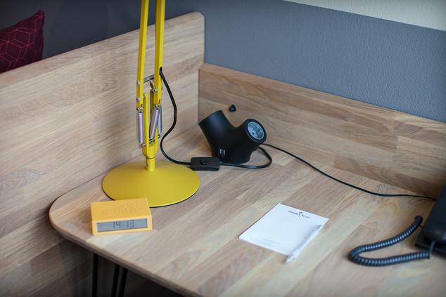 TMWRK bureau GT Noordwijk #anglepoise #designsocket
