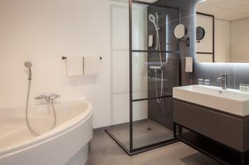 GT Leiden suite 551 badlkamer.jpg