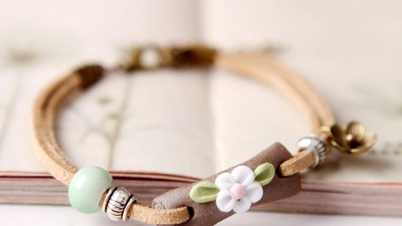 Clay White Flower