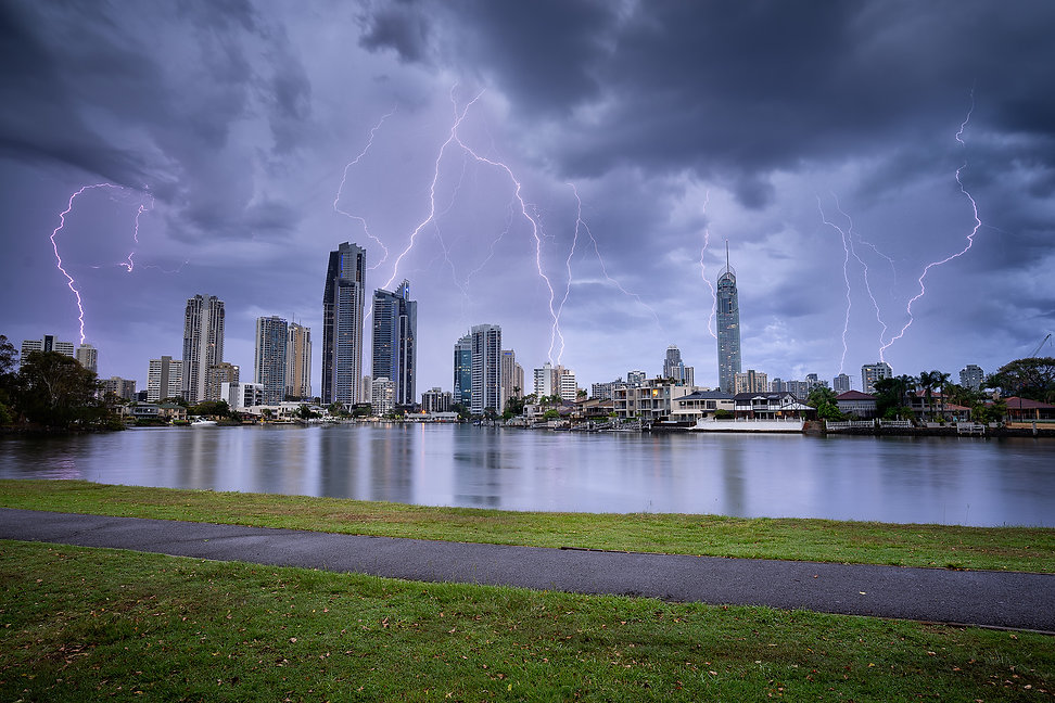 A guide to photographing the Gold Coast Lightning surfers paradie