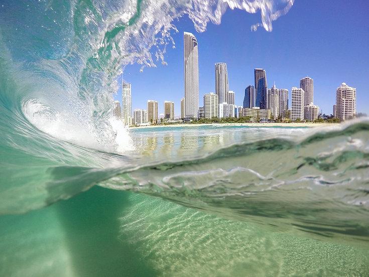 Curl - Surfers Paradise