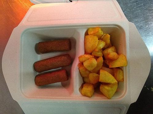 curryworst (1) met gebakken aardappelen