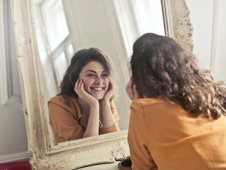 El espejo me miraba