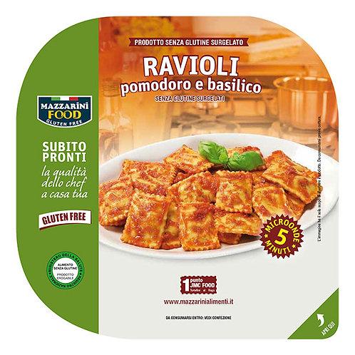Ricotta-pinaattitäytteiset raviolit tomaatti-basilikakastikkeessa
