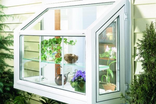 Simonton_GardenWindow_ExteriorGarden-600x400