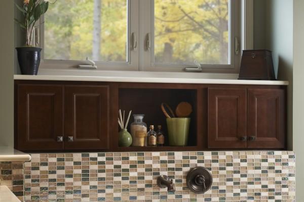 Simonton-Awning-Window-Bathroom-Gallery-Image-600x400