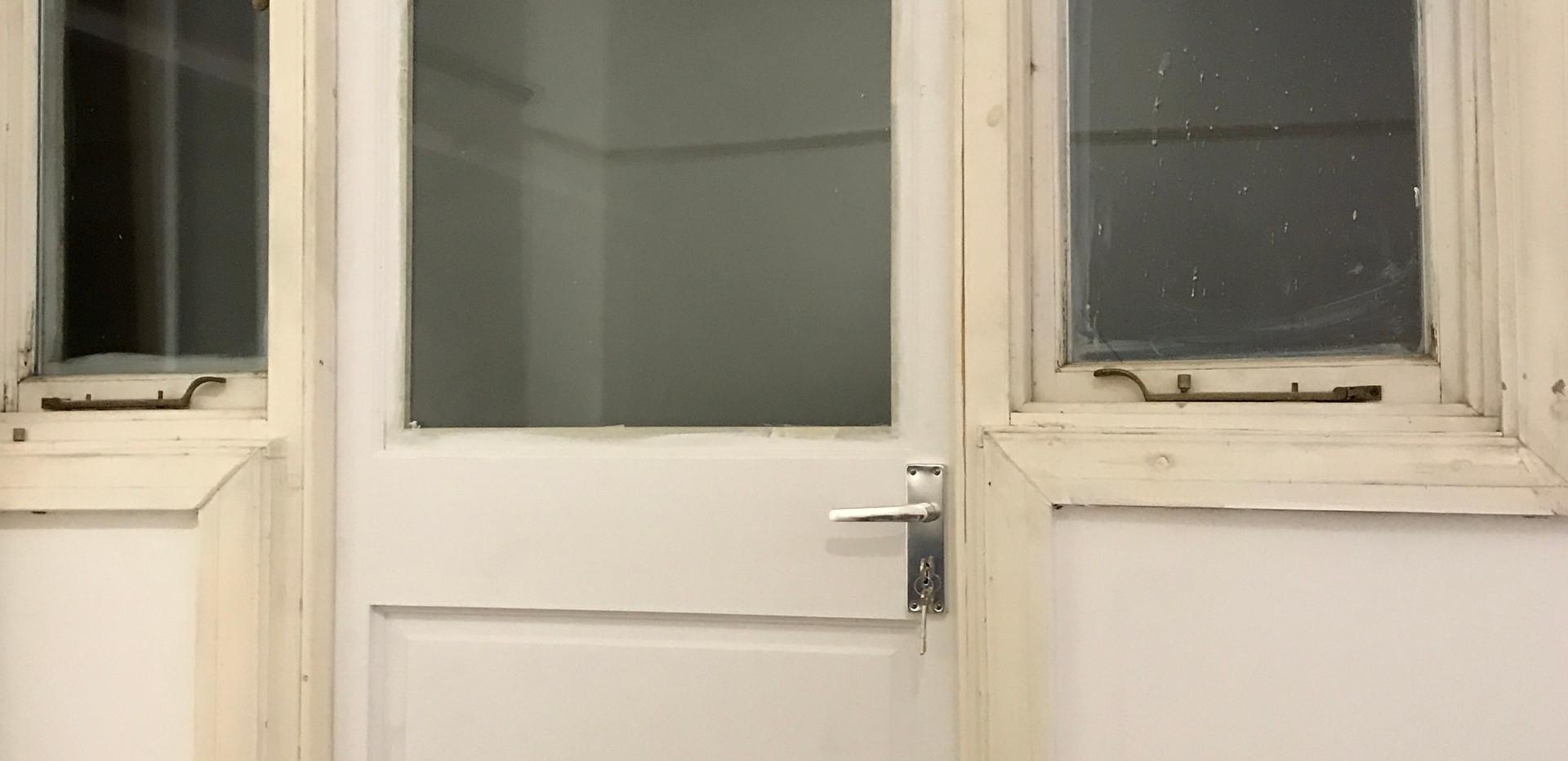 Replacement door - wonky frame!
