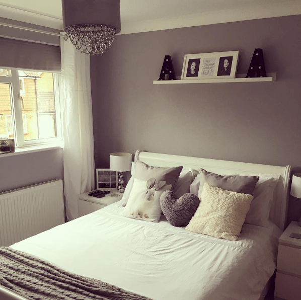 Blinds VS Curtains - Which is better for your bedroom?