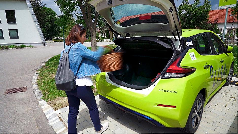 Das LISA-E-Car ist ideal für den Einkauf in deiner Region.