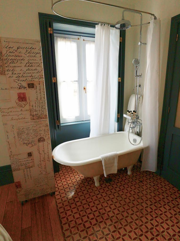 Porto AS 1829 Hotel tub/shower