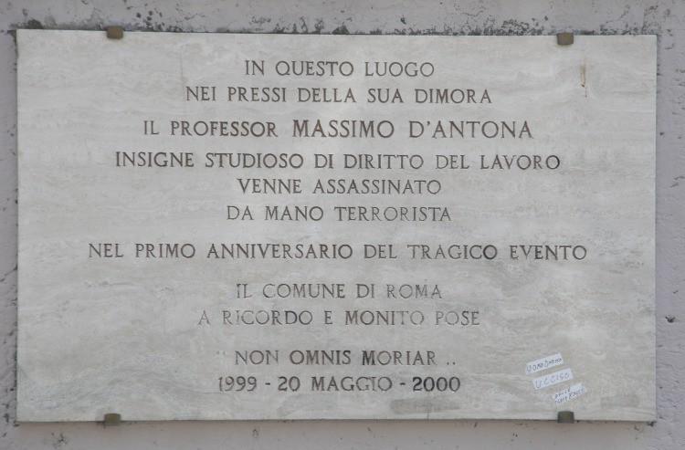 La lapide del Professor Massimo D'Antona