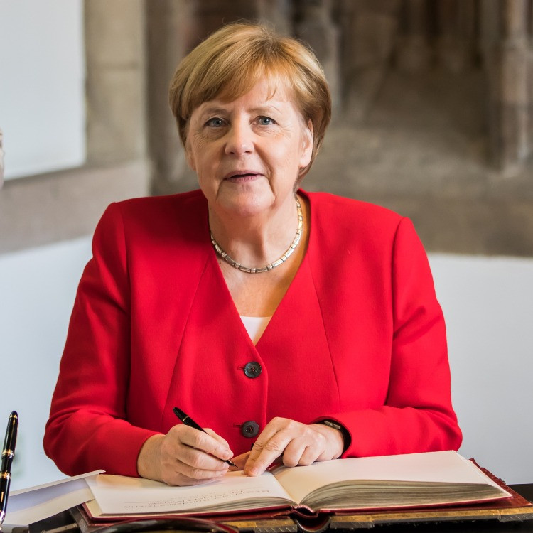 Angela Dorothea Kasner è una politica tedesca, dal 22 novembre 2005 Cancelliera federale della Germania.
