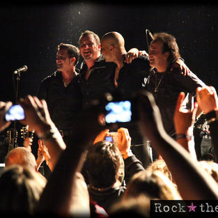 Scott Stapp, Andy Waldeck, Theron Derrick, and Brent