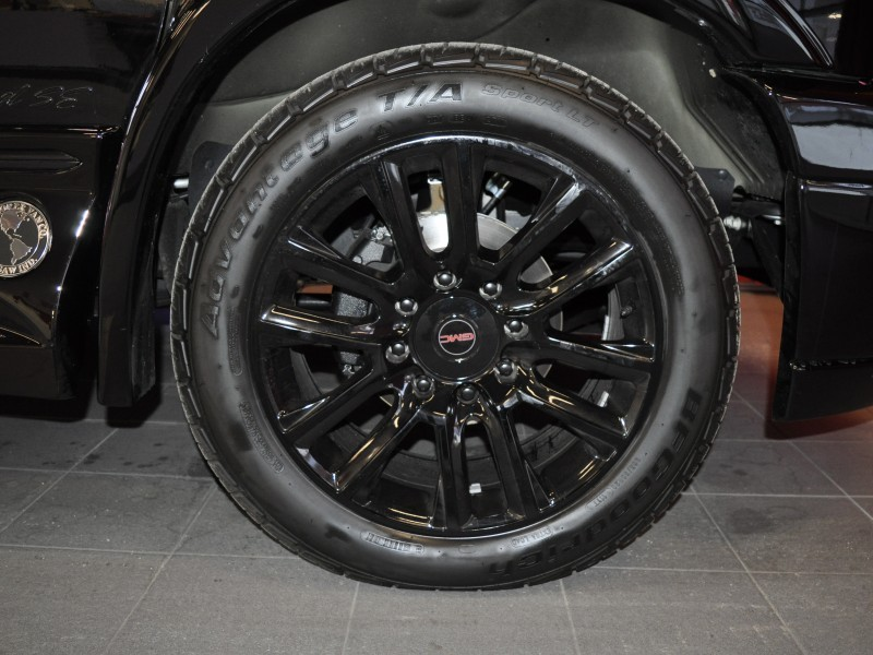 Black Explorer Van wheels KEEP