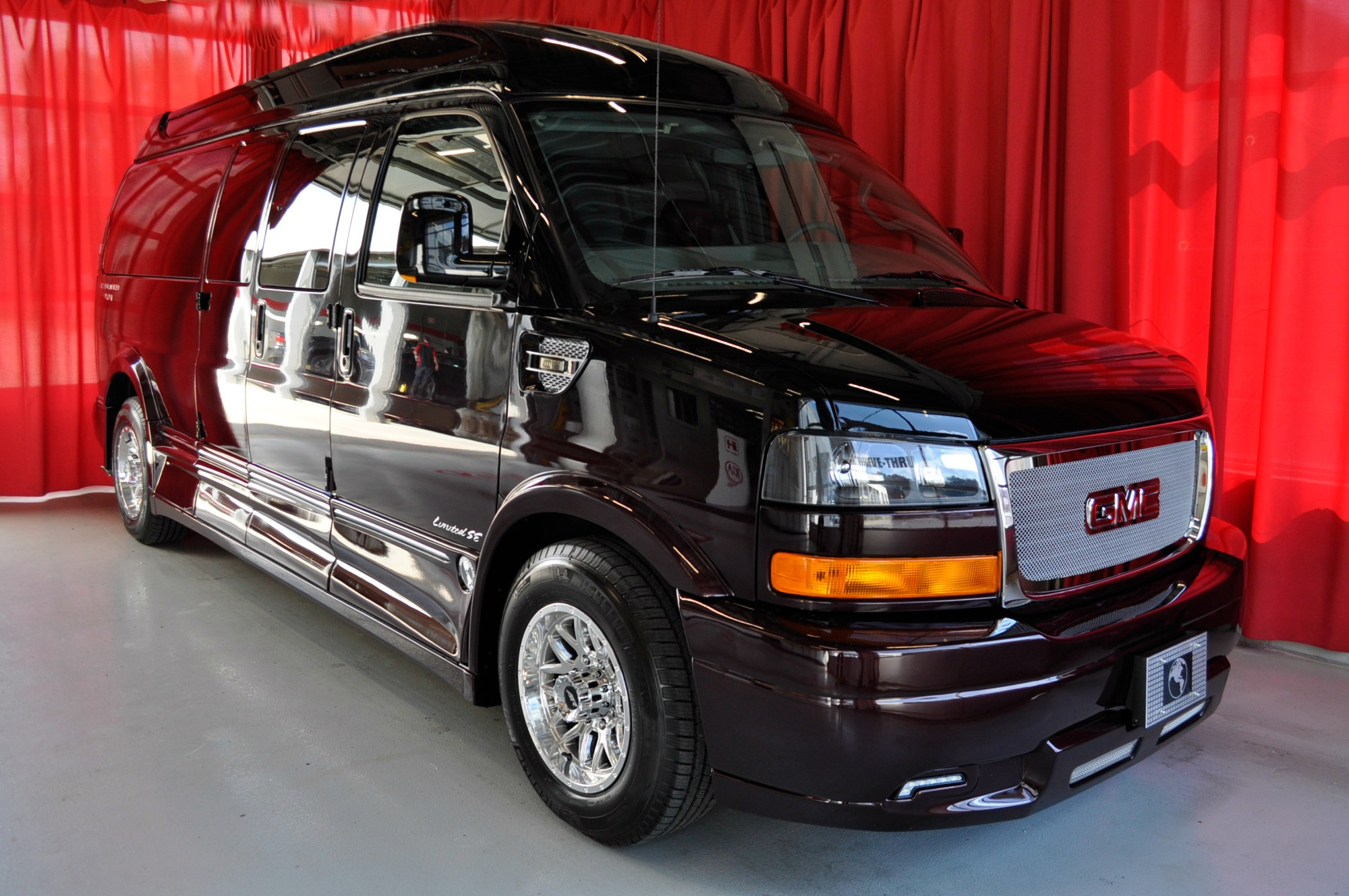 9-Passenger | Black Cherry Fade