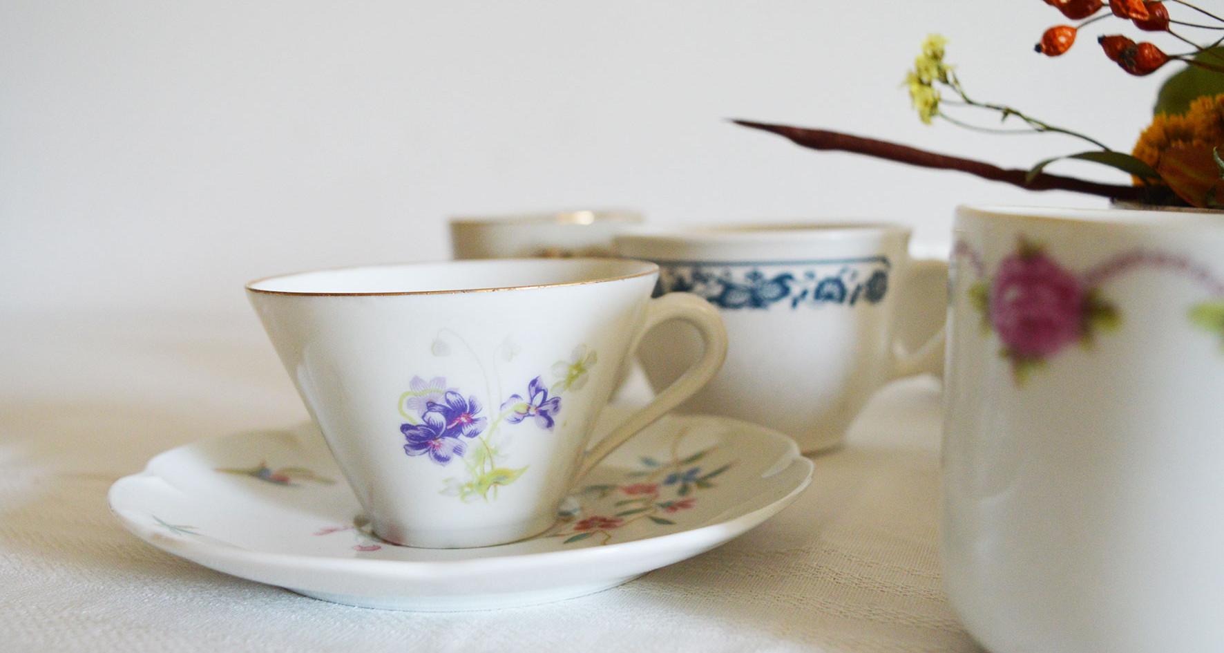 Vaisselle vintage - Tasses et soucoupes