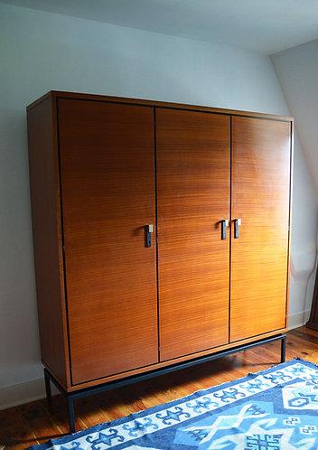 Grande armoire en teck