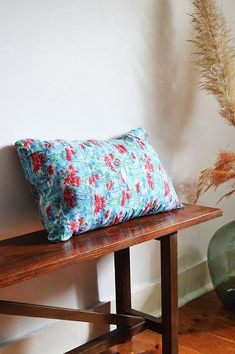 Coussin motifs tropicaux